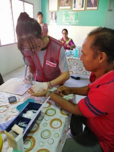 Students experience Lancets and Needles with ASSISS Mobile Clinic